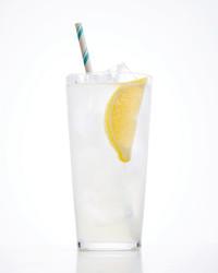 tom-collins-cocktail-102882438.jpg