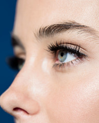 How To Wear False Lashes Like a Pro