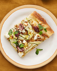 zucchini and caramelized-onion pizza