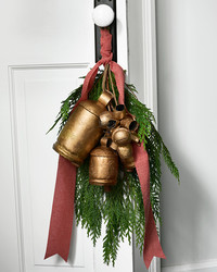 Delight Your Holiday Guests With a Jingling Front Door