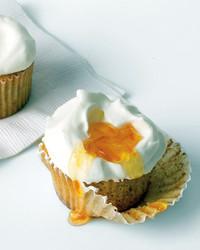 med105604_0610_amlmond_cupcakes.jpg