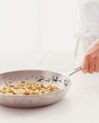 pan-fry-croutons-0803-mla100108.jpg