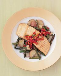 salmon-asparagus-0405-mea101244.jpg