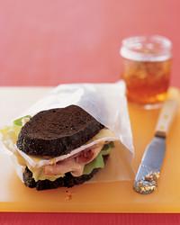 ham-brie-sandwich-1104-mea101006.jpg