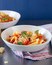 med105471_0410_roasted_tom_pasta.jpg