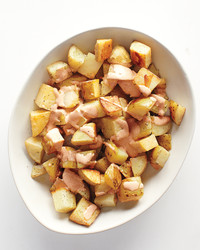 potatoes-paprika-sauce-med108019.jpg