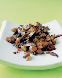 sauteed-mushrooms-0305-mea101198.jpg