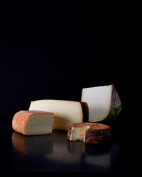 Why Brie, Camembert, and Other Semi-Soft Cheeses Are Such Crowd Pleasers