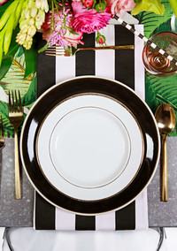 """This """"Rent the Table"""" Service Plans an Instagram-Worthy Dinner Party For You"""