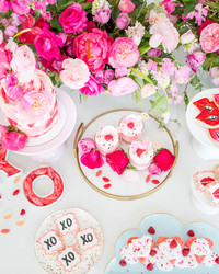 Call Your Friends! And Host a Beautiful Brunch for Galentine's Day