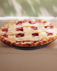 ml706c19_0696_peach_raspberry_pie.jpg