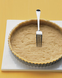 press-in-pie-crust-0105-mea101132.jpg