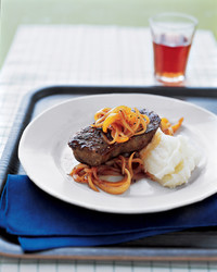 steak-pepper-sauce-1104-mea101006.jpg