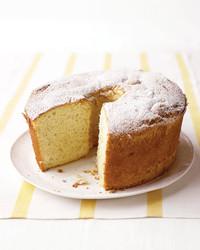 banana-chiffon-cake-0107-med102639.jpg