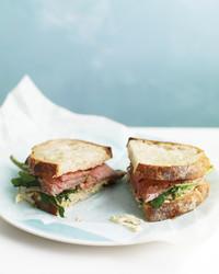 roast-beef-sandwich-0909-med104831.jpg