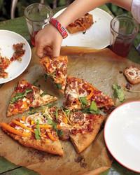 turkey-sausage-pizza-0911mbd107580.jpg