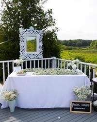 Blooming en Blanc: A Hamptons Summer Soirée