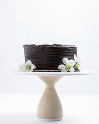 Show it Off! Our Favorite Cake Stands For Displaying Any Dessert