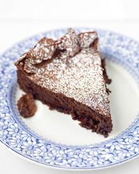 flourless-fudge-cake-0407-med102787.jpg