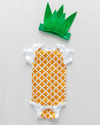How to Make a CUTE Pineapple Baby Costume — No Sewing Required!