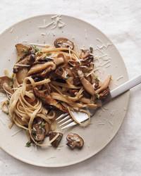whole-wheat-mushrooms-1011mbd107665.jpg