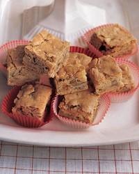 b9x3296_1201_chocolate_chunk_cookies.jpg