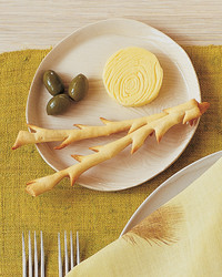 la102862_1107_featherstg_breadsticks.jpg