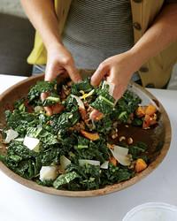 lacinato-kale-salad-squash-mld108020.jpg