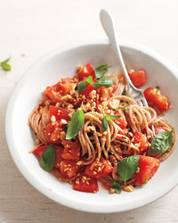 lunch-fresh-spaghetti-1052-mbd108710.jpg
