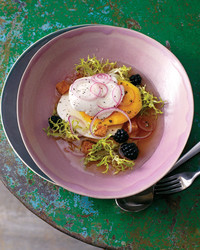 mango-blackberry-salad-0811mld104304.jpg