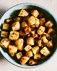 potatoes with sesame seeds