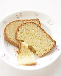 sour-cream-pound-cake-0606-med102153.jpg