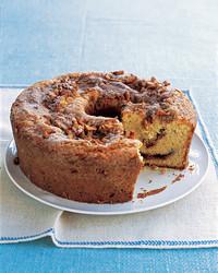 sour-cream-coffee-cake-0305-mea101198.jpg