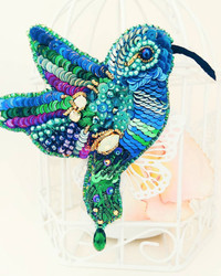 A Russian Artist Transforms Beads into Bejeweled Bugs and Birds