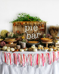 Serve Your Own Slice! It's a Thanksgiving Pie Bar