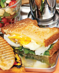 egg-watercress-sandwiches-0711md106420.jpg