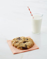 giant-kitchen-sink-cookies-084-d112925.jpg