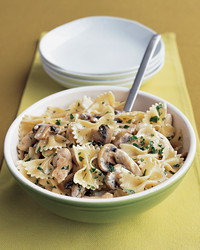 pasta-chicken-mushrooms-1204-mea101070.jpg