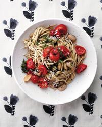 spaghetti-white-beans-143-d112755-0416.jpg