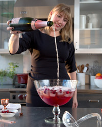 Shake and Stir Your Way to Better Cocktails with These Pro Tips and Tricks