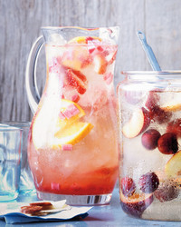 strawberry-sangria-0711med10722-par002.jpg