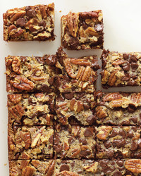 chocolate-pecan-pie-bars-0306-med101894.jpg