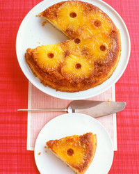 pineapple-upside-down-cake_ea101198_021.jpg