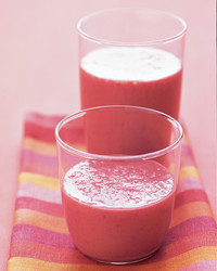 strawberry-tofu-smoothie-1103-mea100402.jpg