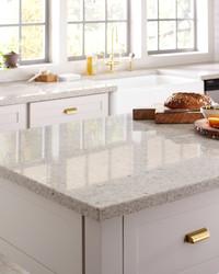 How to Choose Between Quartz or Granite Kitchen Countertops