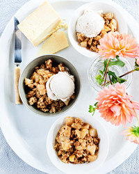quinoa apple pear crumble