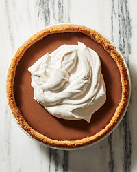 milk-chocolate pudding pie