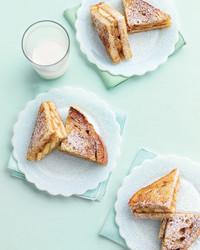 peanut-butter-banana-sandwich-0308-med103553.jpg