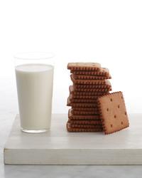 martha-bakes-graham-crackers-363-d110936-0614.jpg