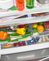 The Proper Way to Use the Crisper Drawer in Your Refrigerator